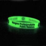 6 opaski silikonowe świecące w ciemności 2 (widok w nocy)